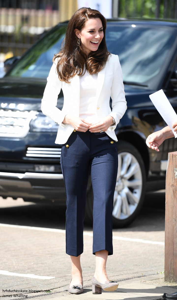 duchess of cambridge land rover bar roadshow